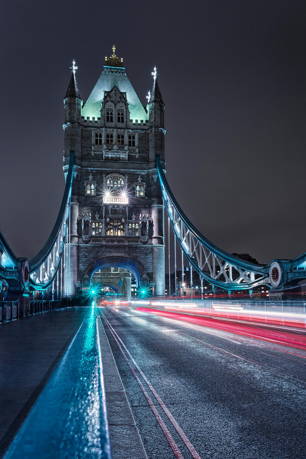 cover-London-Tower-Bridge